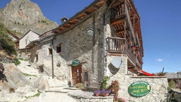 Piemonte | small hotel + ristorante for sale in Piemontese mountains - Italië met Dolcevia.com