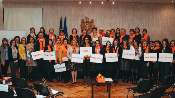 "Strategic partnerships in fighting violence against women and domestic violence established by public discussions ""10 years together against violence!"""