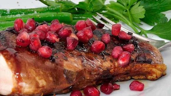 Kip met granaatappel en aardappelschijfjes in de oven - Italië met Dolcevia.com