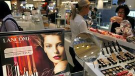 Department Stores Are Losing in Beauty, Too