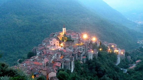 Zoek je een leuk vakantiehuisje in Ligurië, misschien is dit wel wat voor jou - Italië met Dolcevia.com