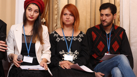 Young people from national ethnic, religious and linguistic minorities claim their right to education and participation