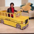 6 歲男童靠玩具開箱爆紅,工作時數備受關注